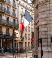 «Les raisons de l'accélération du déclin français». La tribune de Christian Saint-Etienne